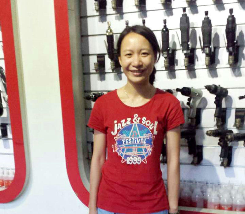 Huang xiaocui - customer service