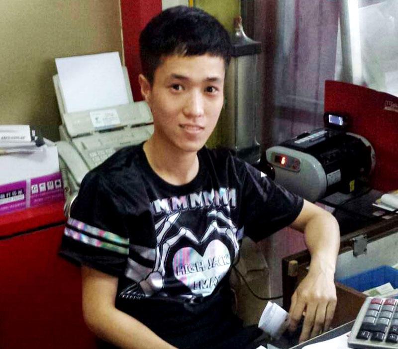 Xu xiaojue - customer service
